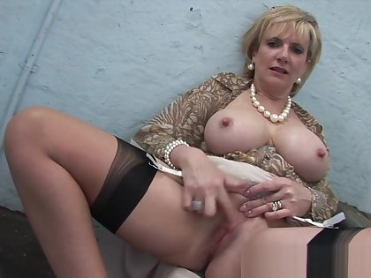 Gill Ellis Young Обнаженная И В Порно