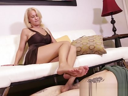 INSURANCE MONEY PLOT - GODDESS FOOTJOBS - TABATHA JORDAN