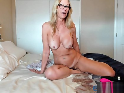 PAWG Milf Camgirl Jess Ryan gives 411 gets Dicked Teaser