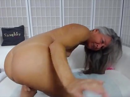 Aged haired amateur webcam mature slut is attainable for some good solo