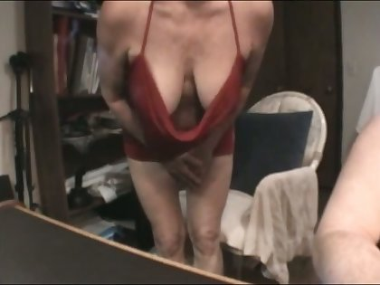 This mature slut has some nice suckable breasts and she is a skillful BJ provider