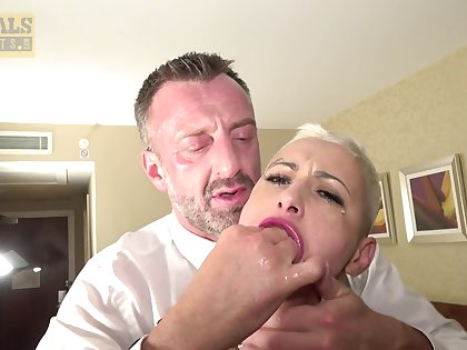Unsightly light-complexioned old bag Lolly Glams gets her face and throat fucked